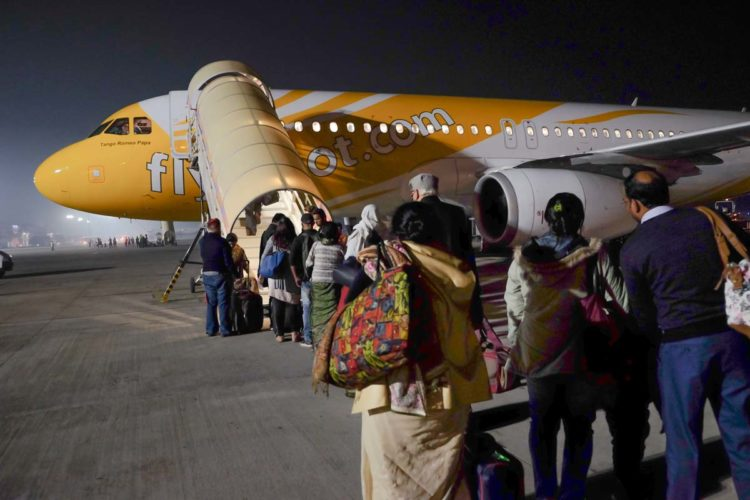 lucknow to singapore flight scoot review