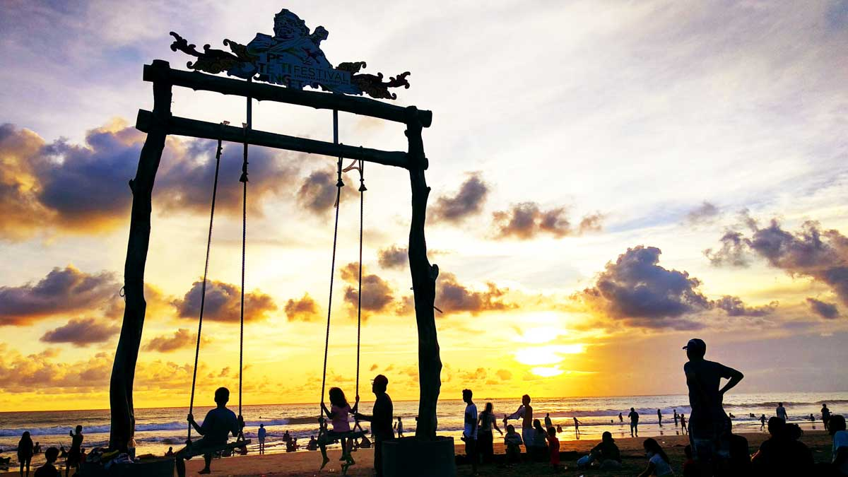 worst places to visit in southeast asia kuta beach bali indonesia